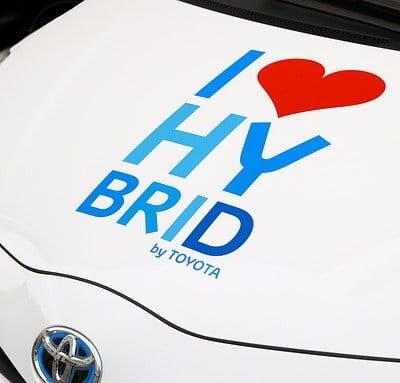 Auto ibride: 3 vantaggi che hanno rispetto alle auto tradizionali